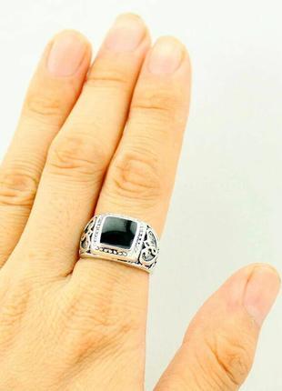 Мужской перстень с черной эмалью. размер 21.3