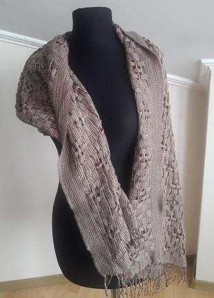 Отличный шерстяной шарф от известного бренда christian fischbacher