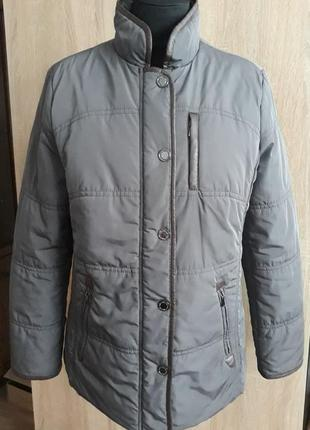 Демисезонная красивая курточка charles voegele