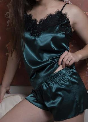 Красивая легкая пижама шелковая ( новая с биркой )