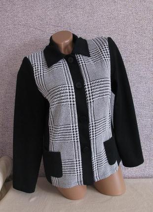 Рубашка/ кофта ( ткань похожа на плотный трикотаж) размер eur 40