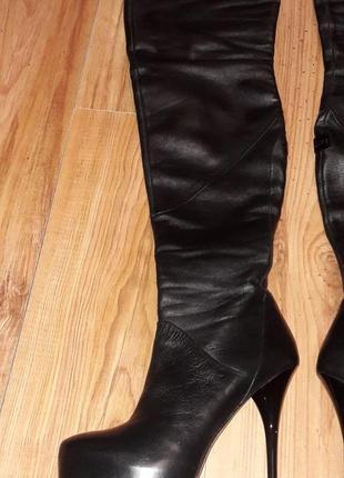 Итальянские genuin vivier чёрные кожаные ботфорты на шпильке 38р