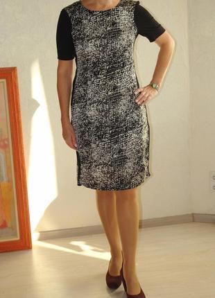 Черно белое платье в идеальном состоянии размер м куплено в париже