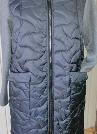 Шикарное пальто,дэми ,2019 ..букле + плащёвка.по 56 размер