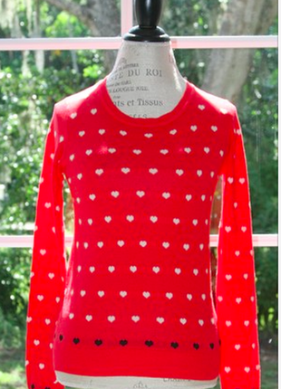 Стильный свитер в принт сердечки mango