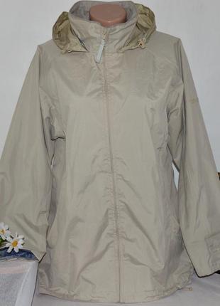 Брендовая демисезонная водонепроницаемая куртка ветровка на молнии с капюшоном regatta