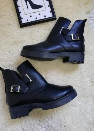 Новые осенние ботинки ботиночки размер 38-24,5см
