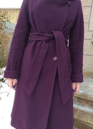 Новое теплое пальто с капюшоном