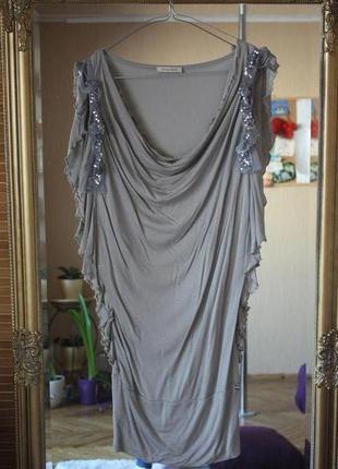 Шикарное платье с паетками