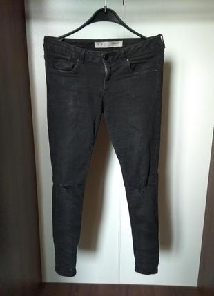 Черные базовые джинсы