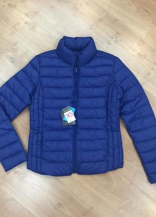 Легка,удобная ,тёплая демисезонная куртка