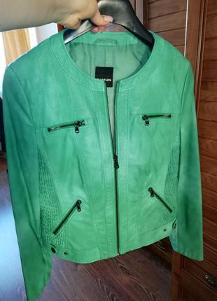 Куртка из высококачественной экокожи красивого весенне-зелёного цвета, р. 38/м/46