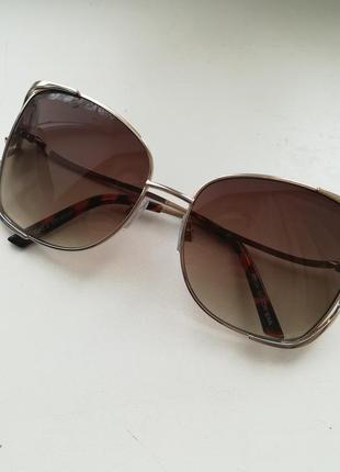 Модные очки от avon