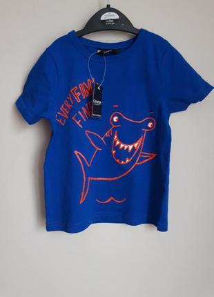 Стильная синяя футболка  с акулой на мальчика 2-3 годика