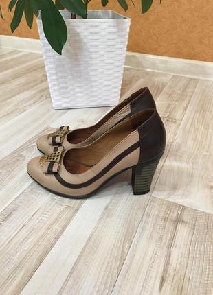 Женские кожаные туфли туфли туфлі  37/24 см.