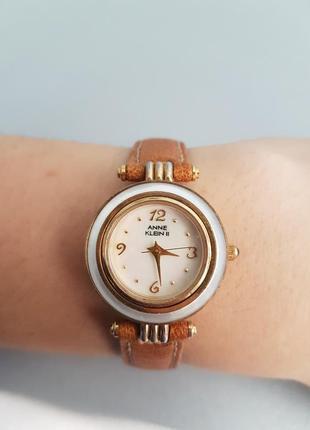 Стильные часы anne klein