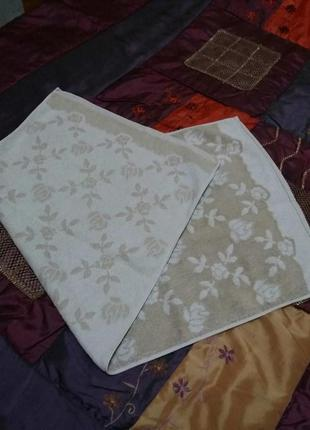 Махровое полотенце 88 на 44см