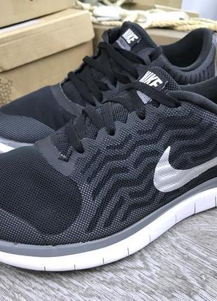 Качественные кроссовки для бега