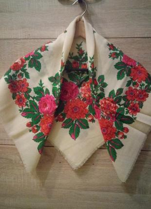 Красивый новый белый шерстяной платок шарф в этно стиле 83×83см