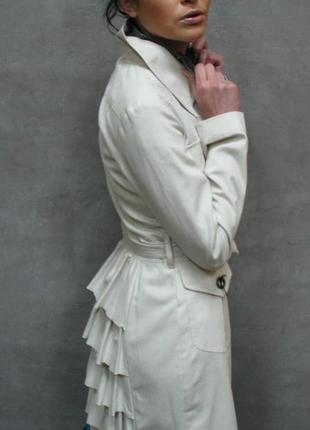 Легкий плащ, платье от украинского дизайнера