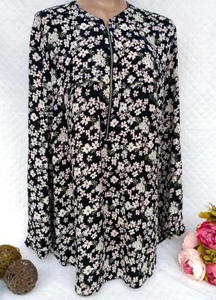 Красивая блуза свободного кроя в цветочную поляну размер 18-20 (50-52)