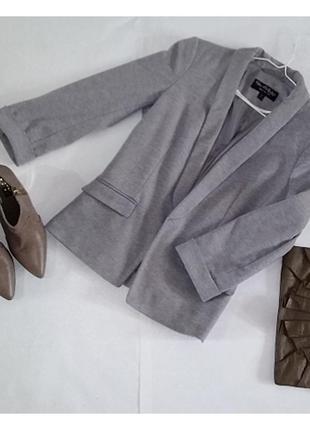Пиджак серого цвета! размер 34!