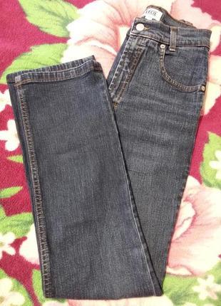 Классические прямые джинсы темно синего цвета на высокий рост.