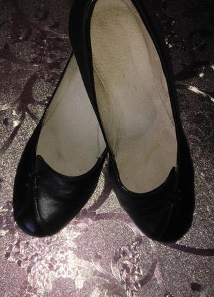 Кожаные туфли 39 р