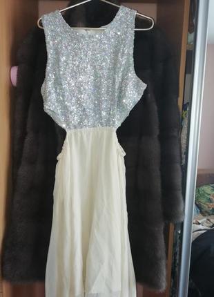 Классное вечернее платье