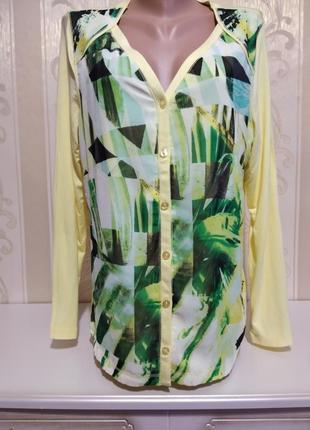 Нежная блузочка с весенним принтом, вискоза.