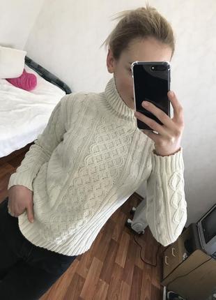 В наличии белый свитерок esmara