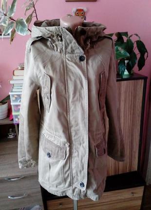Песочная куртка-парка pull&bear,размер 40(12)-l