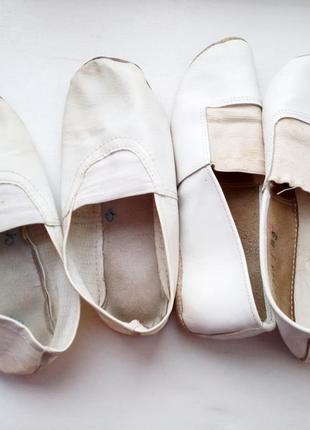 Белые чешки,  две пары балеток 29-30р1 фото