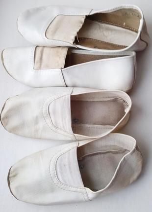 Белые чешки,  две пары балеток 29-30р2 фото