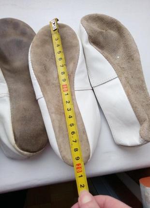 Белые чешки,  две пары балеток 29-30р4 фото