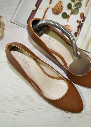 Pier one! кожа! красивые базовые туфли на удобном каблуке высокого качества5