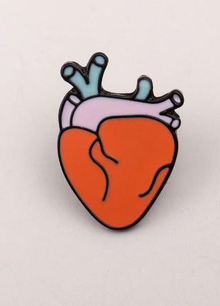 Брошь значок сердце анатомия