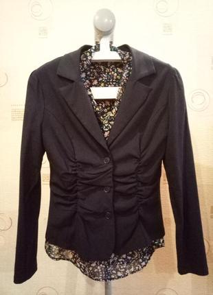 Женский черный приталенный пиджак