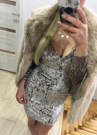 Платье велюровое бархатное с пуговицами нарядное кокиейльное на вечеринку