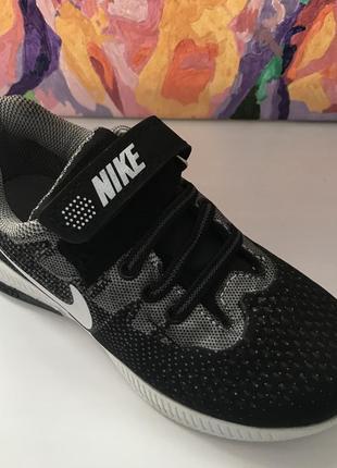 Новые спортивные кроссовки, размер 31,33
