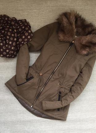 Демисезонная куртка парка с красивым мехом