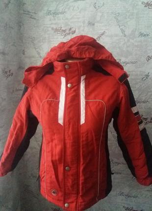 Красная курточка на мальчика демисезон 140 рост