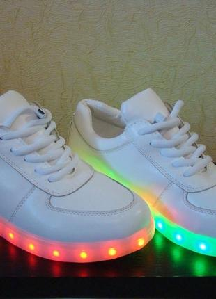 Кроссовки с светящей подошвой led, 39р. унисекс