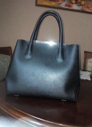 Женская сумочка средняя черная матовая стильная