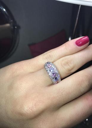Продам красннное кольцо с цирконием в стиле chanel