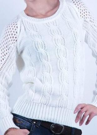 Вязаный свитер с бантом на спине