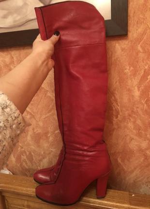 Срочно!шикарные красные кожаные ботфорты