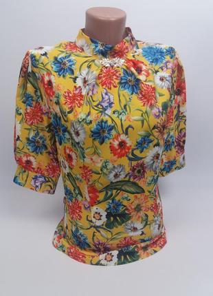 Блузка aron 1840 с ярким цветочным принтом