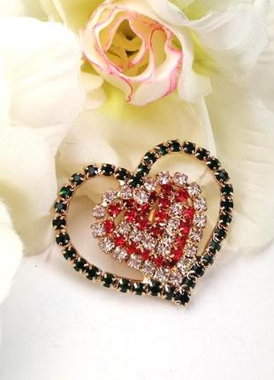 Нарядная яркая брошь сердце / сердечко /стразы