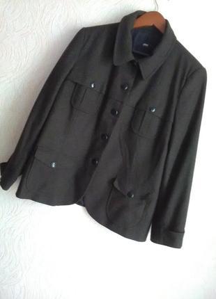 Хороший качественный пиджак oliver